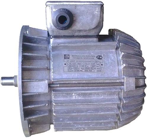 Двигатель передвижения тельфера
